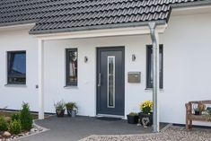 Der Contract-Vario Hausfinder - Contract-Vario - New Ideas Enclosed Porches, Small Porches, Decks And Porches, Screened In Porch, Bungalow Porch, Curb Appeal Porch, Mobile Home Porch, Diy Porch, Facades