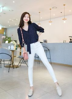 Korean Casual Outfits, Casual Work Outfits, Simple Outfits, Stylish Outfits, Korean Fashion Work, Korean Fashion Trends, Asian Fashion, Korean Airport Fashion Women, Korean Fashion Summer Casual