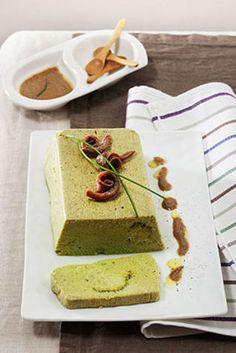 Sformato di broccoletti con salsa di acciughe Ricco antipasto o secondo leggero. Ideale per il buffet