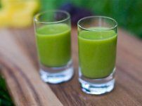 Apple & Mango Greeny  3 cups fresh or frozen mango, 2 apples, 2 cups water or coconut water, 2 cups ice (optional), 1 cup radish greens