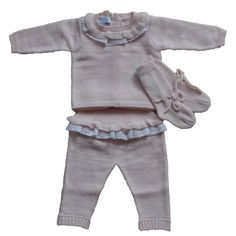 #MISKIWAWAPINK 3 PIECE SET,REF: CON324 Regular Price: £62.50 Sale Price: £38.00 + FREE DELIVERY & GIFT PACKAGING THIS MISKIWAWA BEAUTIFUL 3 PIECE SET OF BABY JUMPER, FRILLY LEGGINGS AND SOCKS IN PINK IS MADE OF: 50% WOOL, 50% ALPACA MACHINE WASH AT 30*