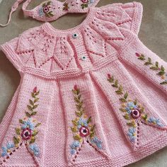 How To Make A Pink Color Knitted Baby Dress Model With Leaf Rob – Babykleidung Baby Knitting Patterns, Baby Dress Patterns, Knitting For Kids, Crochet For Kids, Knitting Designs, Crochet Baby, Beginner Knitting, Girls Knitted Dress, Knit Baby Dress