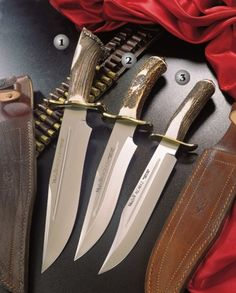 Muela knives, hunting knife, magnum 26, magnum 23, alcaraz 22. Handle of stag horn and brass