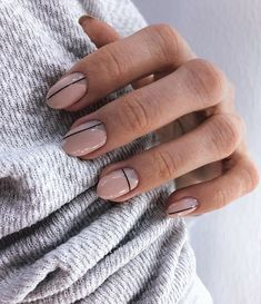 20 reasons for transparent and white nails (page How should we choose the nail polish? The brand and the choice of color nail polish completely change your appearance . Hair And Nails, My Nails, Nails Inc, Picasso Nails, Uñas Fashion, Lines On Nails, Nagellack Trends, Minimalist Nails, Striped Nails