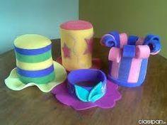 Resultado de imagen para sombreros de cotillon en goma espuma Foam Crafts, Diy And Crafts, Crafts For Kids, Crazy Hats, Ideas Para Fiestas, Mascara, Party Themes, Minnie Mouse, Creative