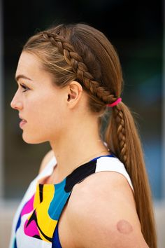 3 Sweat-Tested Braided Hairstyles from Runner Colleen Quigley Box Braids Hairstyles, Braided Ponytail Hairstyles, Ponytail Ideas, Running Hairstyles, Athletic Hairstyles, Track Hairstyles, Colleen Quigley, Upside Down French Braid, Curly Hair Styles