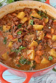 Vegan Potato Jackfruit Stew Recipe with Tomatoes, Carrots and Gravy.