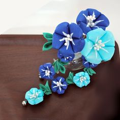 Blue and Turquoise Morning Glory Asagao Kanzashi by hanatsukuri