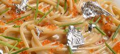 Direttamente dal centro di Trento lo spaghettone mantecato al ginepro e Trentingrana con caviale di trota del ristorante Scrigno del Duomo. lo abbiniamo a un bianco strutturato e di ottima mineralità: il nostro Maso Toresella Cuvée vigneti delle dolomiti. http://bit.ly/ScrignoDD