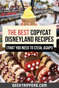 Tasty Disneyland recipes that you can make from home! Includes DIY Dole Whip, mint julep, churros, and more. Disneyland Food, Disneyland Resort, Disney Snacks, Disney Food, Disney Recipes, Disney Theme, Disney Inspired Food, Julep Recipe, Restaurant