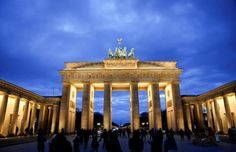 Anger as Berlin refuses to light Brandenburg Gate in Russian colors after attack