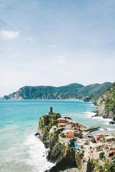 Fancy getaway: http://www.stylemepretty.com/2014/08/05/10-things-to-do-with-your-bridesmaids/