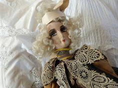 Античная Французский заслонки будуар куклы антикварные ткани куклу ж парик 1920 ручной росписью французской куклы, соломы заполнено, керамические руки, ноги, кружевной воротник