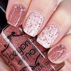Pink Glitter Nails #notd #nailpolish #glitter