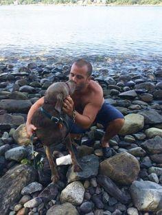 Samedi dernier, Lisa Delong a emmené sa chienne Nellie au bord de l'océan afin…