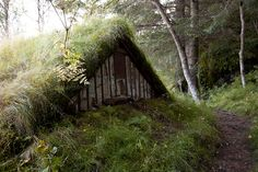 amonamartha:    mykindafairytalee:    House of Grass by rknickme on Flickr.    I bet it's full of bugs and smells like dirt. I want to crawl inside and curl up like a bear