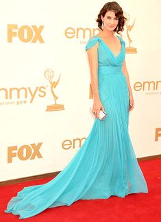 Cobie Smulders impressed fashion critics when she chose an Alberta Ferretti dress, Brian Atwood heels, Neil Lane jewels and a Rene Caovilla clutch at the 2011 Emmys Celebrity Outfits, Celebrity Style, Red Carpet Gowns, Column Dress, Brian Atwood, Celebs, Celebrities, Stunning Dresses, Red Carpet Fashion