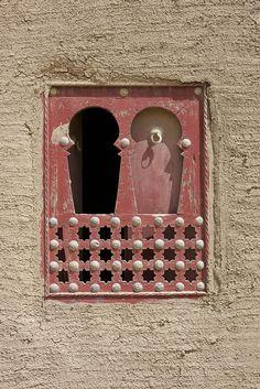 window in Djenné, Mali by Elyse Pasquale, via Flickr