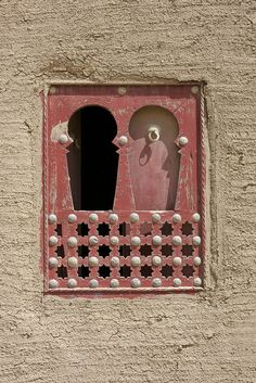 window in Djenné, Mali by Elyse Pasquale, via Flickr