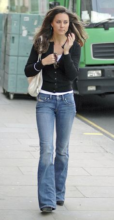 Kate Middleton casual street style from before her marriage...jeans, t-shirt, and a cardigan
