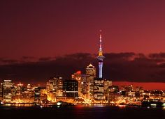 Auckland is located in the North Island of New Zealand and it is the largest and the most populous city in the country. A popular destinati. Best Places To Live, Oh The Places You'll Go, Places To Travel, Places To Visit, Dream Vacations, Vacation Spots, Vacation Places, New Zealand Holidays, Cultura General