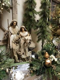 Pretty Nativity in magnolia room.The reason for the season! Merry Christmas Happy Holidays, Christmas Decorations For The Home, Christmas Tablescapes, Christmas Mantels, Christmas Centerpieces, Christmas Wreaths, Xmas, Natural Christmas, Elegant Christmas