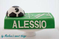 Marlene's sweet things: Fussball Cake Soccer cake