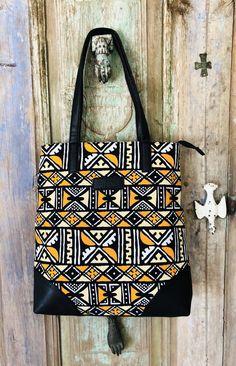 Christmas Bags, Christmas Gifts For Women, Ethnic Bag, Back Bag, Black Purses, Printed Tote Bags, Printing On Fabric, Purses And Bags, Black Tote