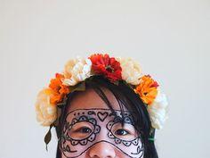 Una delicada y elegante máscara de tul