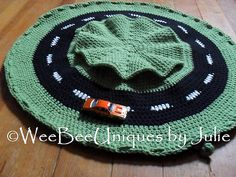 Ravelry: race car track accent rug play mat w/storage pockets pattern by WeeBee Uniques