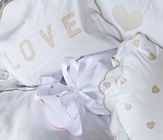 we love linens!! hearts and a whole lot of love   www.charmajesty.com