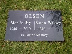 Merlin Olsen (1940 - 2010) Hall of Fame Professional Football Player, Actor, Broadcaster.