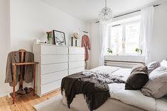 Björkbacksvägen 49, Bromma / Ulvsunda Bed, Furniture, Home Decor, Decoration Home, Stream Bed, Room Decor, Home Furnishings, Beds, Home Interior Design