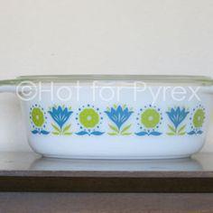 """Vintage Pyrex """"Lotus Flower"""" Casserole"""