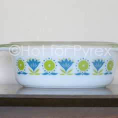 RARE Green and Blue Lotus Flower Pyrex 043