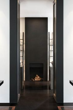 Interior in black and white by Anouska Hempel Design. Best Interior, Home Interior Design, Interior Styling, Interior Architecture, Interior And Exterior, Interior Decorating, Modern Fireplace, Fireplace Design, Metal Fireplace