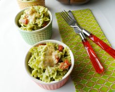 Pasta with Creamy Kale Pesto is a tasty and colorful dish for the holidays! Yummy Pasta Recipes, Sauce Recipes, Yummy Food, Delicious Recipes, Kids Pasta, Kale Pesto, Summer Salads, Fall Recipes, Finger Foods