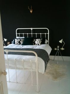 1000 images about farrow and ball lust on pinterest for 13th floor pitch black