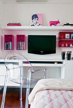 IDEAS PARA DORMITORIOS DE CHICAS by dormitorios.blogspot.com DORMITORIO FUCSIA Y BLANCO BOXEADORA