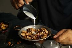 No added sugar, no oil yet completely delicious - this granola is so awesome you'll want to eat it every day. Try it for breakfast or as a snack, on smoothies, in yogurt parfaits, or straight out of the jar - no matter. Whole Food Diet, A Food, Granola, Muesli, Low Carb Recipes, Vegan Recipes, Vegan Desserts, Vegan Food, Sweet Recipes