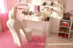 #room #sweetroom #love #pink #highheel #makeup #cat #white #schminke #schminktisch #amkleidezimmer