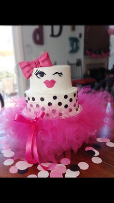 Pictures Wonderful Inspiration Kate Spade Cake Stand A Little Bit . Cupcakes, Cupcake Cakes, Pretty Cakes, Beautiful Cakes, Kate Spade Cake, Bolo Barbie, Creative Cake Decorating, Bridal Shower Cakes, Occasion Cakes
