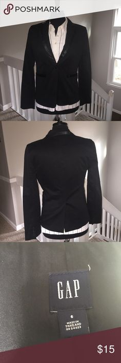 Gap Tuxedo Style Jacket size 6 Beautiful jacket by Gap is tuxedo styling and details. This jacket is a size 6 and comes from a non smoking home. GAP Jackets & Coats