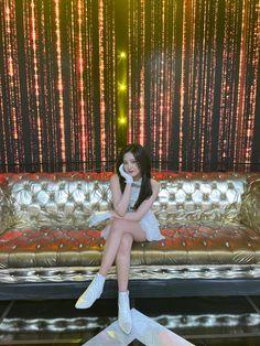 Sakura Miyawaki, Forever Girl, Yu Jin, Japanese Girl Group, Twitter Update, Korean Music, Extended Play, The Wiz, Kpop Girls