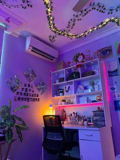 Indie Room Decor, Cute Bedroom Decor, Bedroom Decor For Teen Girls, Room Design Bedroom, Teen Room Decor, Room Ideas Bedroom, Small Room Bedroom, Indie Bedroom, Bedroom Inspo