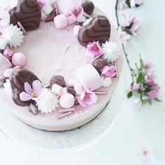 Geisha, Birthday Cake, Yummy Food, Desserts, Drinks, Tailgate Desserts, Drinking, Deserts, Beverages
