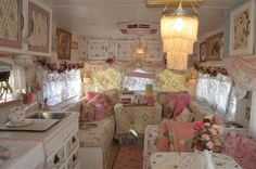 Pretty~ I like the pink air conditioner...camper