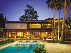Contemporary Outdoor Space by Brad Dunning and Marmol Radziner in Beverly Hills, California