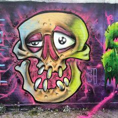 Painting stuff in Frankfurt #graff#graffiti#tonyb#frankfurth#canpier#skull#tattoo