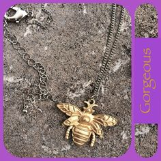 ✨HP✨GORGEOUS QUEEN BEE PENDANT MUST have summer necklace, gold tone detailed Bee pendant and silver tone chain with lobster claw latch. NWT ✨HP by @retrobunnybee Jewelry